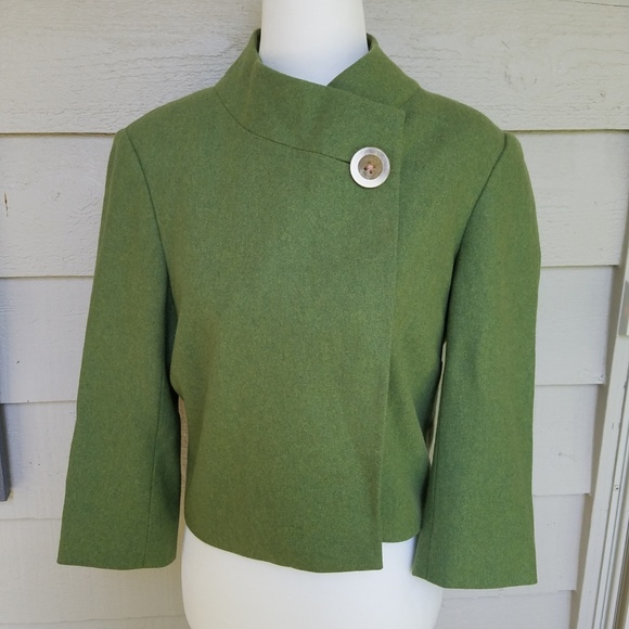 Lilly Pulitzer Jackets & Blazers - Lilly Pulitzer wool blend crop swing jacket